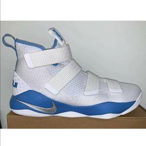 Nike Lebron James Soldier XI White Blue Size 12